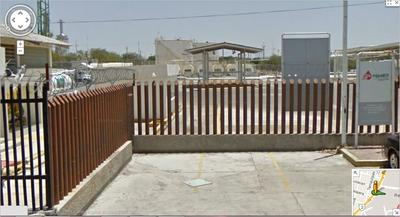 Pemex refinery in Reynosa - barbed wire fences