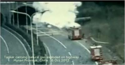 Explosion of natural gas in overturned tanker